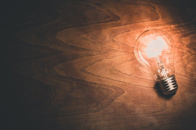 light-bulb-1246043_640